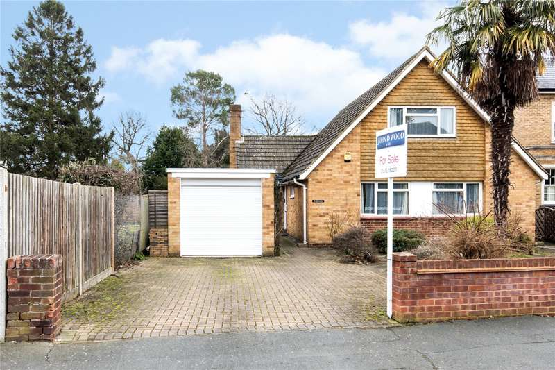 2 Bedrooms Detached Bungalow for sale in Grove End Lane, Esher, Surrey, KT10