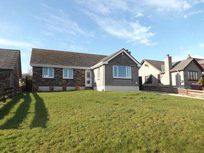 4 Bedrooms Bungalow for sale in Crafthole, Torpoint, Cornwall