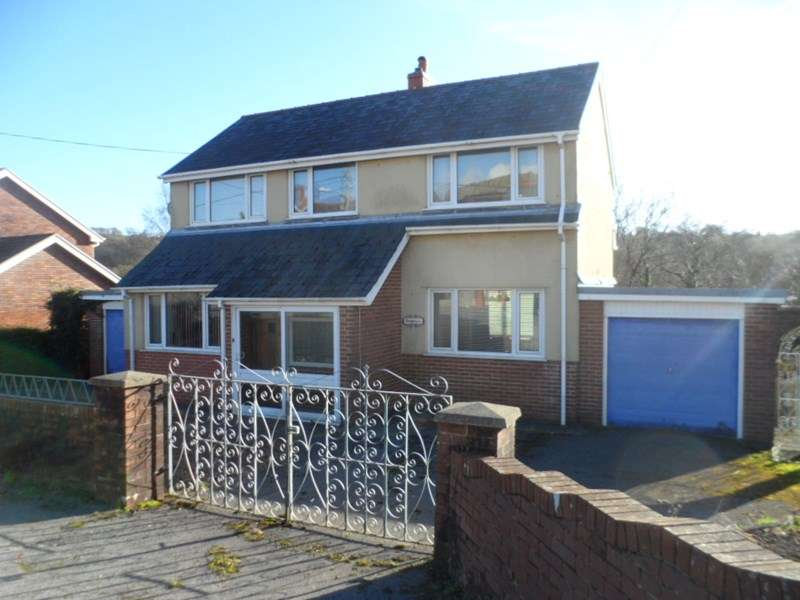 2 Bedrooms Detached House for sale in Brecon Road, Penycae, Swansea