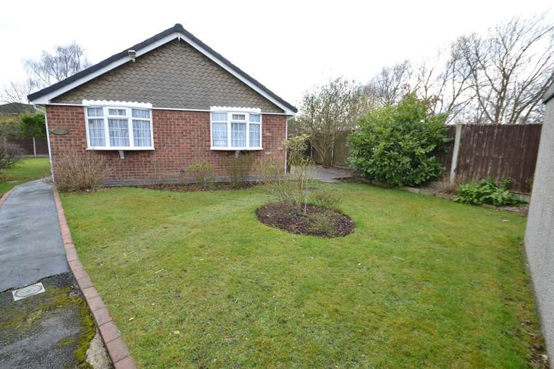 3 Bedrooms Detached Bungalow for sale in St Bees Close, Gatley