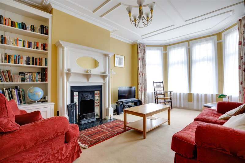 4 Bedrooms House for sale in Fox Lane, Palmers Green, London N13