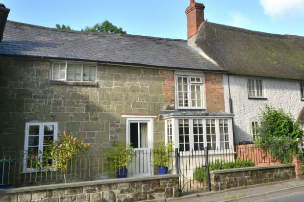 3 Bedrooms Terraced House for sale in SHAFTESBURY