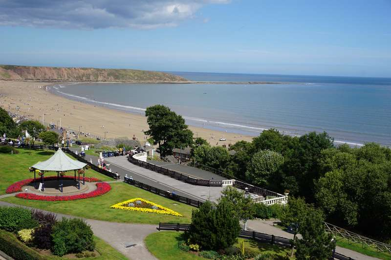 3 Bedrooms Penthouse Flat for sale in Victoria Court, The Crescent, Filey, YO14 9LJ