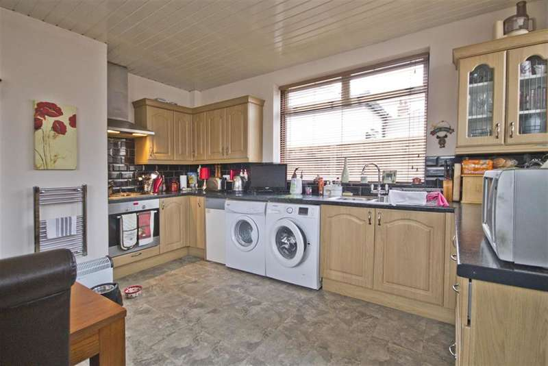 3 Bedrooms Semi Detached Bungalow for sale in Quebec Road, Hartburn, Stockton-on-Tees, TS18 5DX