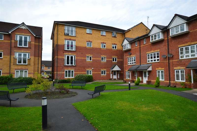 2 Bedrooms Flat for sale in Hatherton Court, Worsley, Manchester, M28 3ER