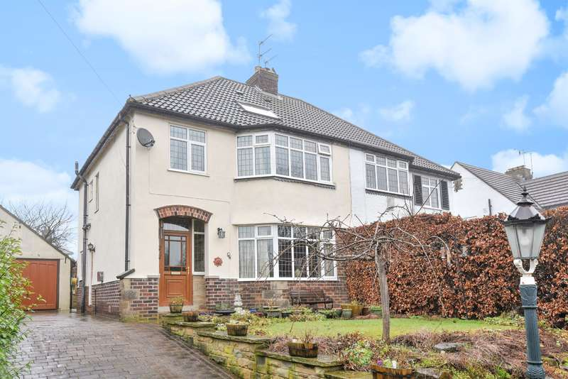 4 Bedrooms Semi Detached House for sale in Park Road, Guiseley, Leeds, LS20 8EN
