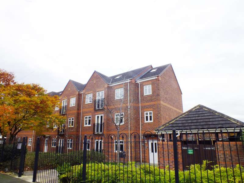 2 Bedrooms Flat for sale in Brackenhurst Drive, Moortown, Leeds, LS17 6WE