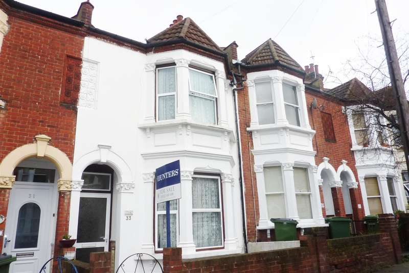 3 Bedrooms Terraced House for sale in Wernbrook Street, Plumstead Common , London, SE18 7RU