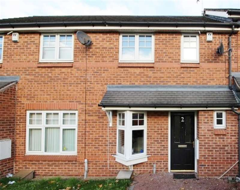 2 Bedrooms Terraced House for sale in Evelyn Place, LS12