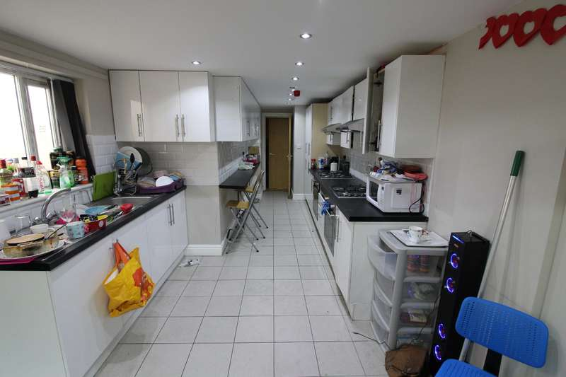 7 Bedrooms House for rent in Treherbert Street, Cathays, Cardiff
