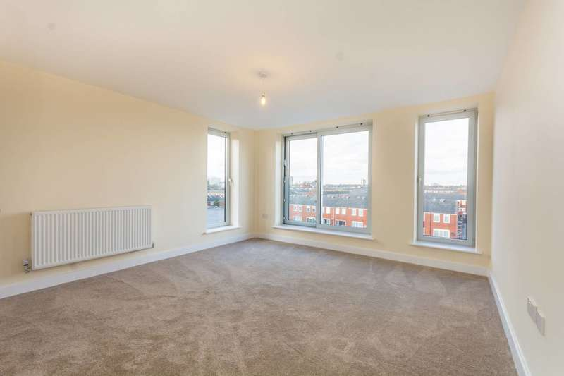 2 Bedrooms Flat for sale in Homerton Row, Homerton, E9
