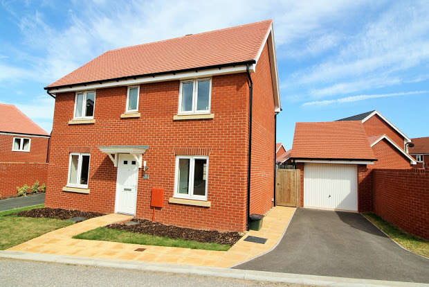 3 Bedrooms Detached House for sale in Farm Park, Cranbrook, Exeter, EX5