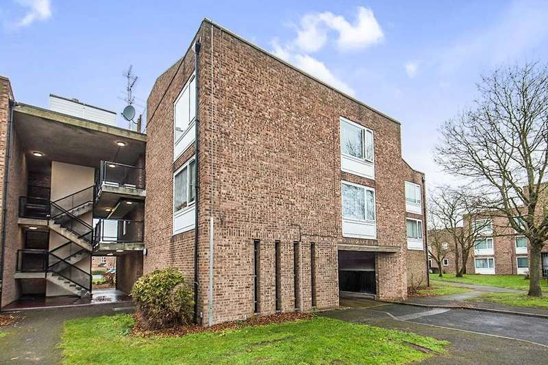 1 Bedroom Flat for sale in Bristol Court Bristol Close, Stanwell, Staines-Upon-Thames, TW19