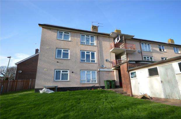 2 Bedrooms Flat for sale in Tor Close, Beacon Heath, Exeter, Devon