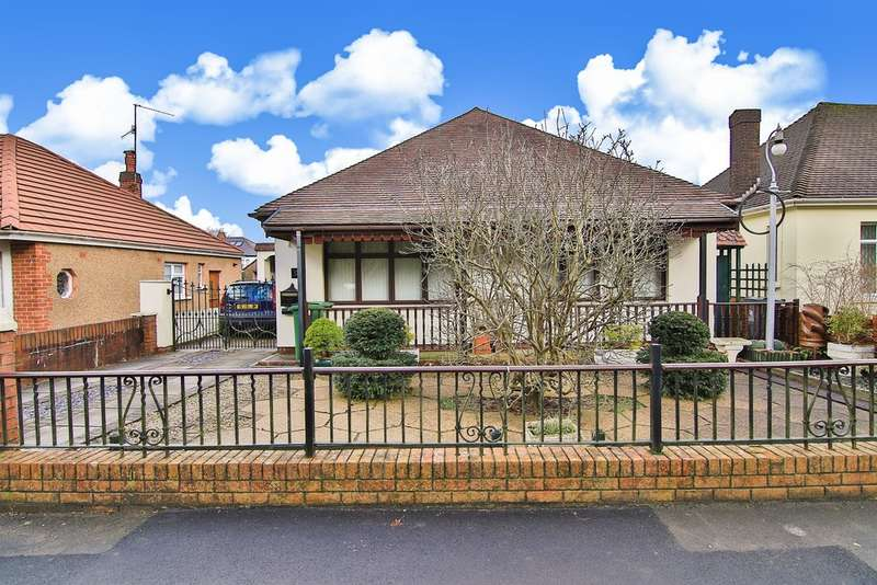 3 Bedrooms Detached Bungalow for sale in King George V Drive North, Heath, Cardiff