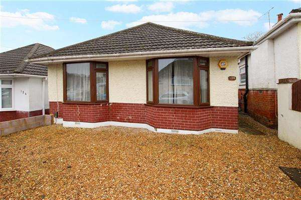 2 Bedrooms Bungalow for sale in Victoria Road, Poole
