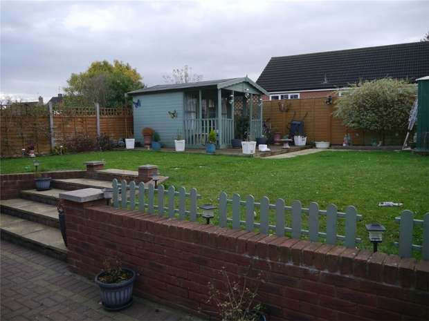 3 Bedrooms Semi Detached House for sale in York Road, Tewkesbury, Gloucestershire