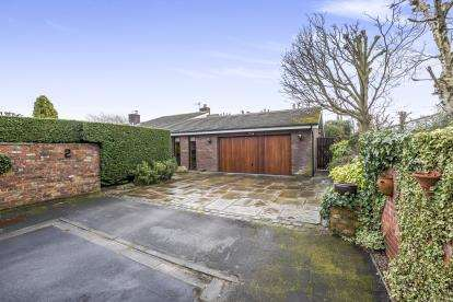 4 Bedrooms Bungalow for sale in Fishermans Close, Formby, Liverpool, Merseyside, L37