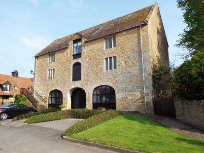2 Bedrooms Maisonette Flat for sale in South Petherton, Somerset