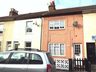 2 Bedrooms Terraced House for sale in Victoria Street, Gillingham, Kent