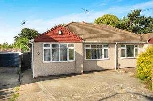 2 Bedrooms Bungalow for sale in Granton Road, Sidcup, Kent
