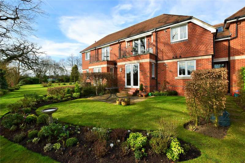 2 Bedrooms Apartment Flat for sale in Bonhomie Court, Broadcommon Road, Hurst, Berkshire, RG10