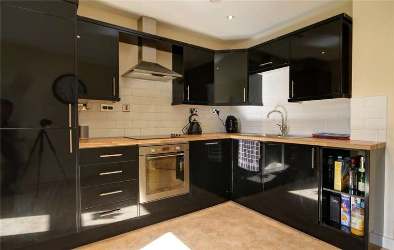 2 Bedrooms Maisonette Flat for sale in Cockerbeck House, Cockerton Green, Darlington, DL3