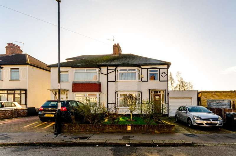 3 Bedrooms Semi Detached House for sale in Osterley Gardens, Thornton Heath, CR7