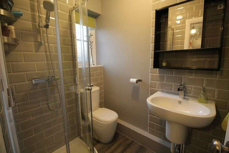 4 Bedrooms Detached House for sale in Shepherds Lea, Beverley