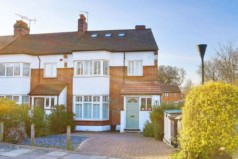 4 Bedrooms Terraced House for sale in Hermiston Avenue, N8