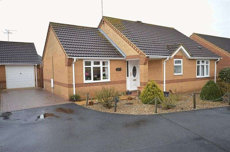 2 Bedrooms Detached Bungalow for sale in Woodpecker Drive Watton