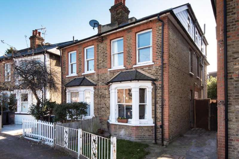 4 Bedrooms Semi Detached House for sale in Rowlls Road, Kingston upon Thames, KT1