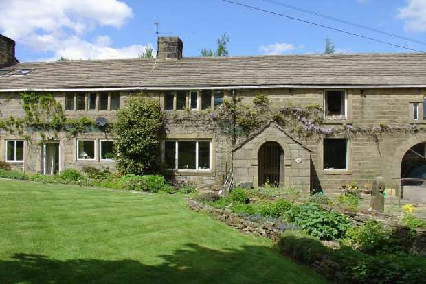 4 Bedrooms Terraced House for sale in Colden Hebden Bridge
