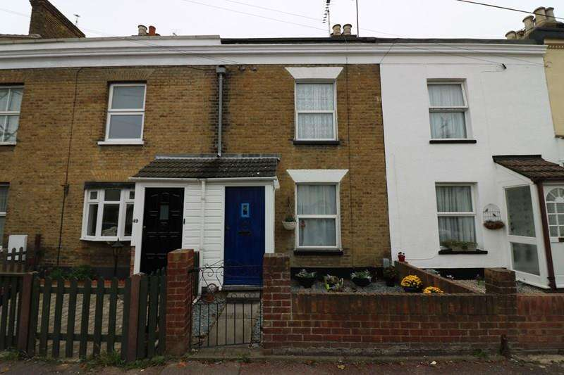 2 Bedrooms Cottage House for sale in Park Street, Westcliff-On-Sea