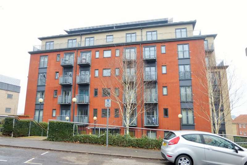 2 Bedrooms Apartment Flat for sale in Morgan House, Rouen Road, Norwich