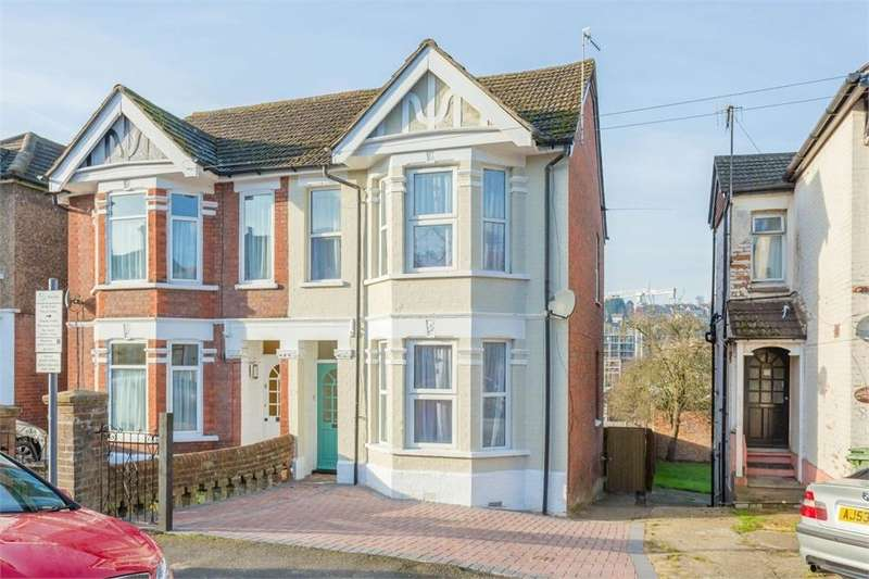 5 Bedrooms Semi Detached House for sale in Roberts Road, High Wycombe, Buckinghamshire