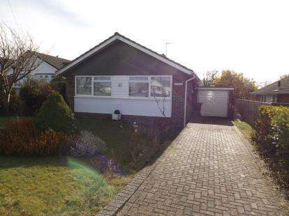 2 Bedrooms Bungalow for sale in Seaview, Isle Of Wight