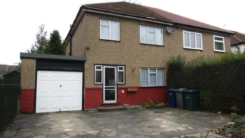 3 Bedrooms Semi Detached House for sale in Winsdsor Road, High Barnet, Herts EN5