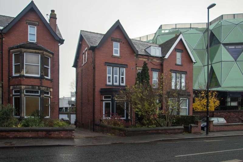7 Bedrooms Semi Detached House for sale in Kirkstall Lane, Headingley, Leeds 6