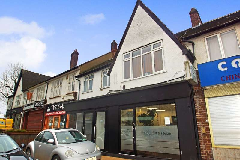 Apartment Flat for sale in Upper Elmers End Road, Beckenham