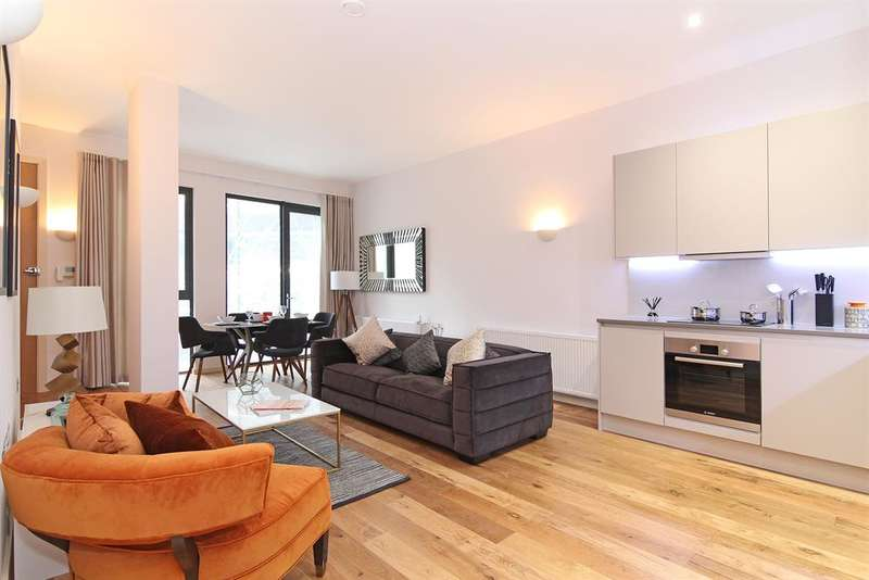 2 Bedrooms Flat for sale in Triangle Court, Camberwell New Road, SE5