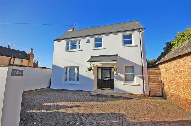 4 Bedrooms Detached House for sale in Overbury Street, Charlton Kings, Cheltenham, GL53
