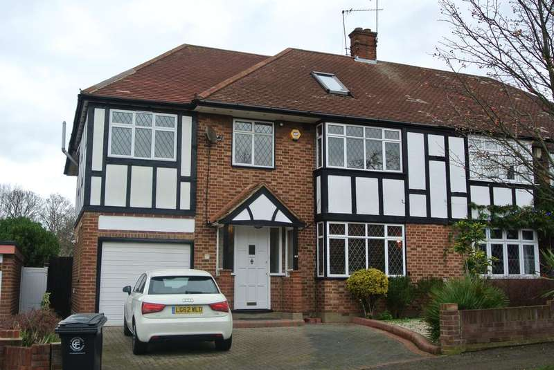 6 Bedrooms Semi Detached House for rent in Chigwell Park Drive, London IG7