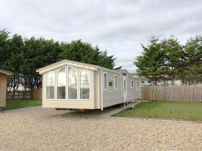 3 Bedrooms Park Home Mobile Home for sale in Melville Road, Southsea PO4