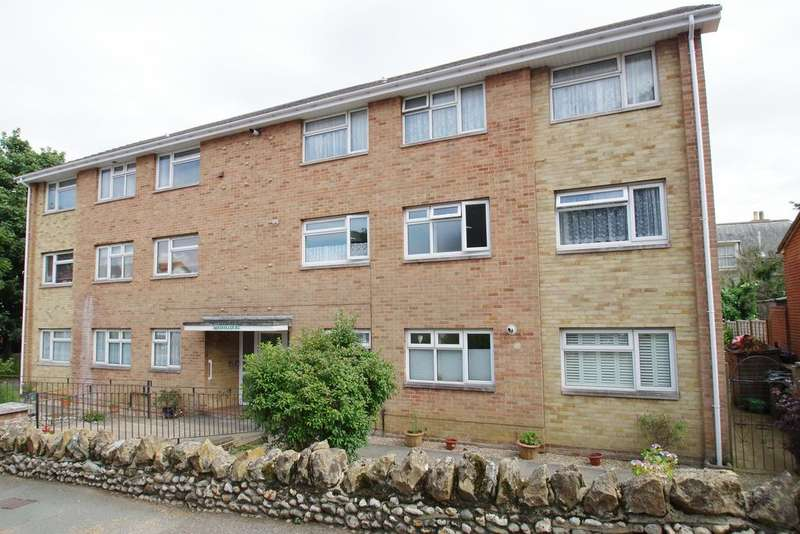 2 Bedrooms Flat for sale in Sandon Court, Beachfield Road, Sandown PO36