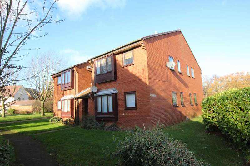 Studio Flat for sale in Course Park Crescent, Titchfield Common, Fareham PO14