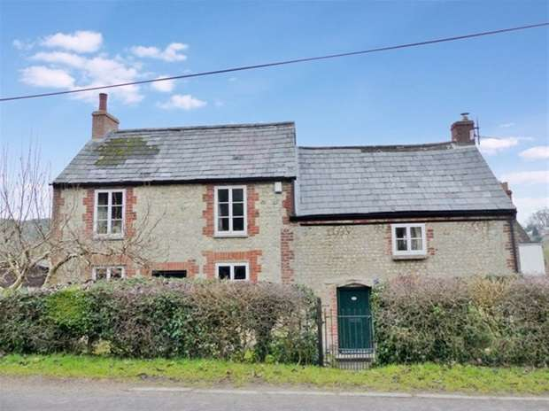 3 Bedrooms Detached House for sale in Clay Street, Crockerton, Warminster