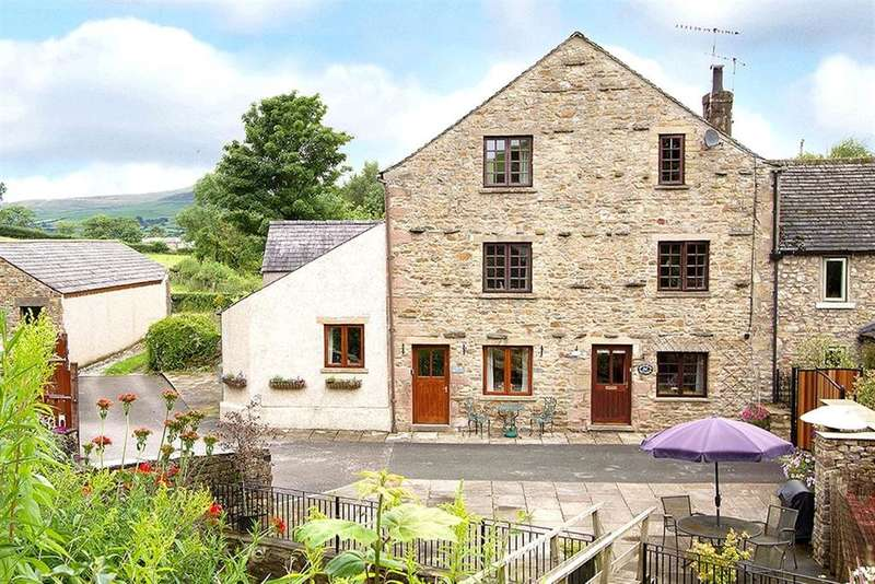 3 Bedrooms Terraced House for sale in Beckside Cottage Corner Cottage, Ingleton, North Yorkshire