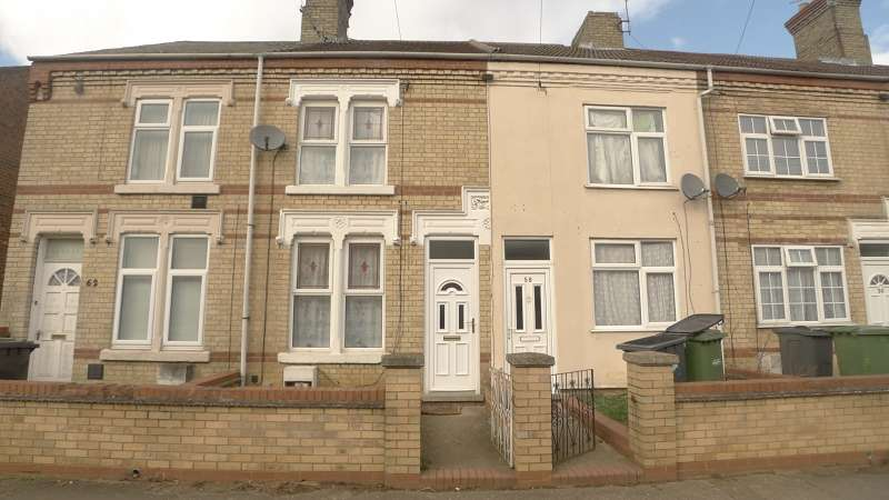 3 Bedrooms Property for sale in Percival Street, Peterborough, Cambridgeshire. PE3 6AU