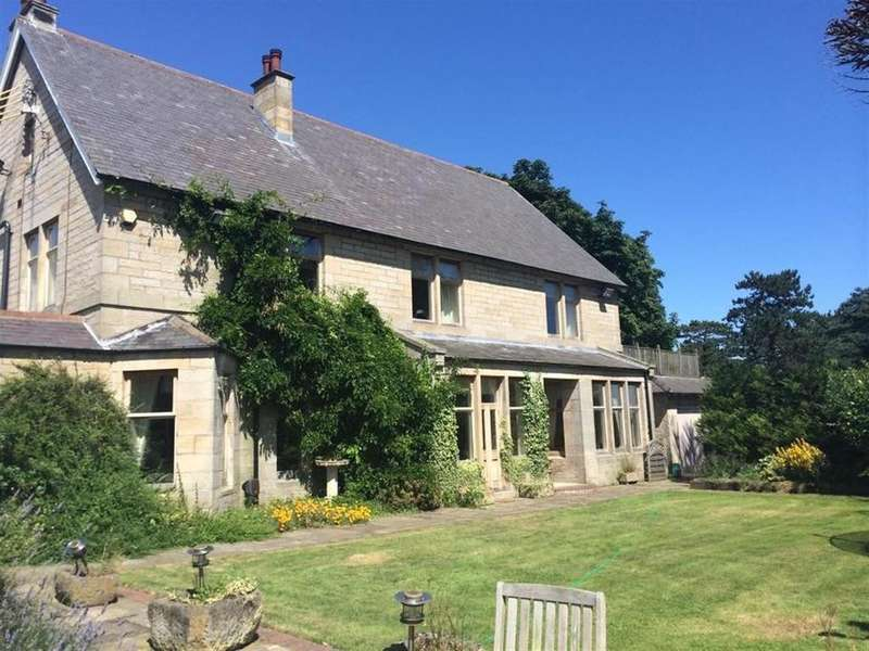 6 Bedrooms Detached House for sale in The Old Manor House, Hepscott, Morpeth, Northumberland NE61
